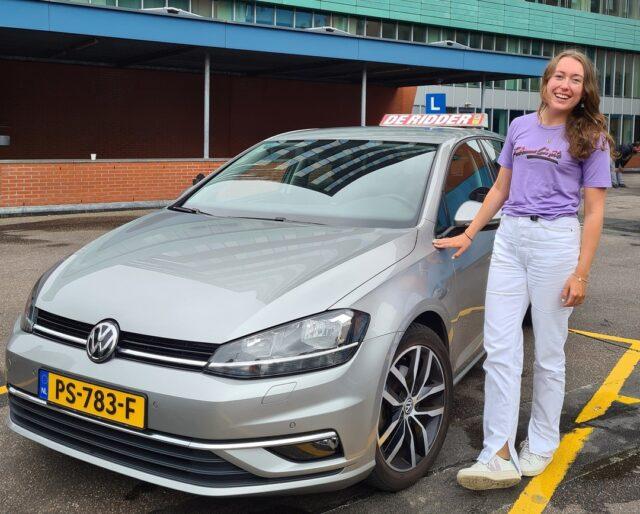 Gefeliciteerd Phae!! 🥳Super goed gedaan; in 1 keer geslaagd voor je rijbewijs! Wij wensen je veel veilige kilometers!🚗 Groet, Alan