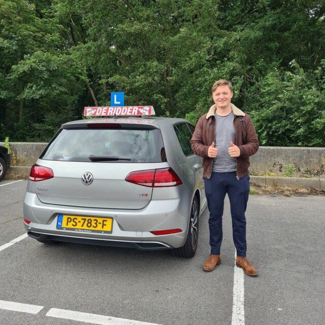 Gefeliciteerd Igor!!🥳Veel plezier en drive safe!🚗