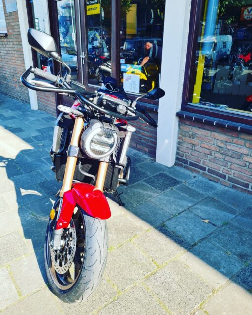 Finally... Niet normaal deze motor 😱💪👍👌...#honda #cb650R #Rvanracing #powerofdreams #bikelife #awayoflife #hondapower #musclebike💪 #4cilinder #betterthan2 #nietnormaal #power💪 #vanaf #vandaag #@verkeersschoolderidder #newplayerintown #newbike🏍👍 #hondapowerofdreams #wiekomterkijken #nietnormaal #nieuw #nieuw #nieuw😱👌👍🥳🎉
